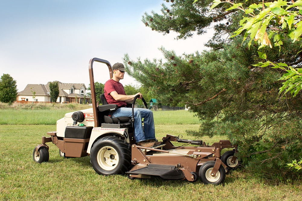 How to Find the Best Blades for Your Grass Type